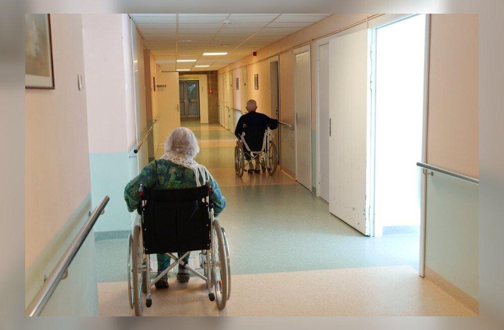Sotside suur ja kulukas valimislubadus: pensioni eest peab saama hooldekodukoha
