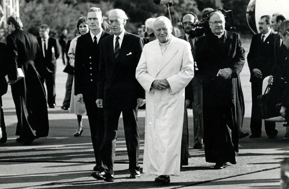 25 aastat tagasi oli toonase paavsti, Johannes Paulus II visiidil oluline lisamõõde – see andis märku Eesti kuulumisest Euroopasse ja Euroopa kultuuriruumi.