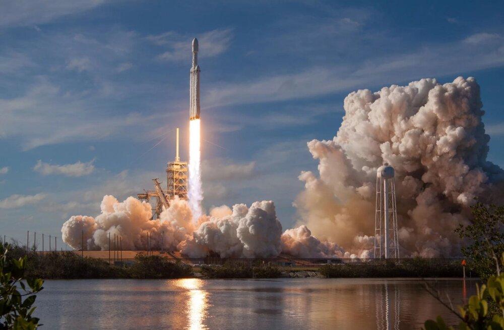 Maailma võimsaim rakett SpaceX'i Falcon Heavy stardib uuesti suvel USA sõjaväe missiooni raames