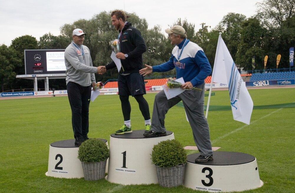 Kas jälle samamoodi? Kahel viimasel korral on kettaheites meistrikulla saanud Martin Kupper (keskel), hõbeda Gerd Kanter (vasakul) ja pronksi vanameister Aleksander Tammert.