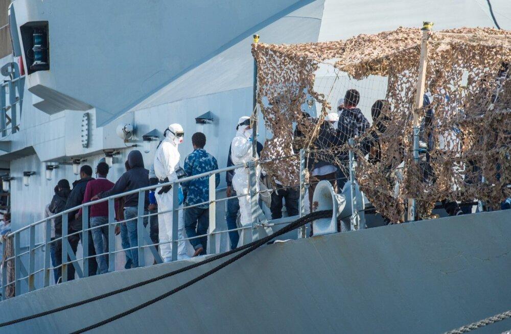 Catania sadamasse saabunud pagulased