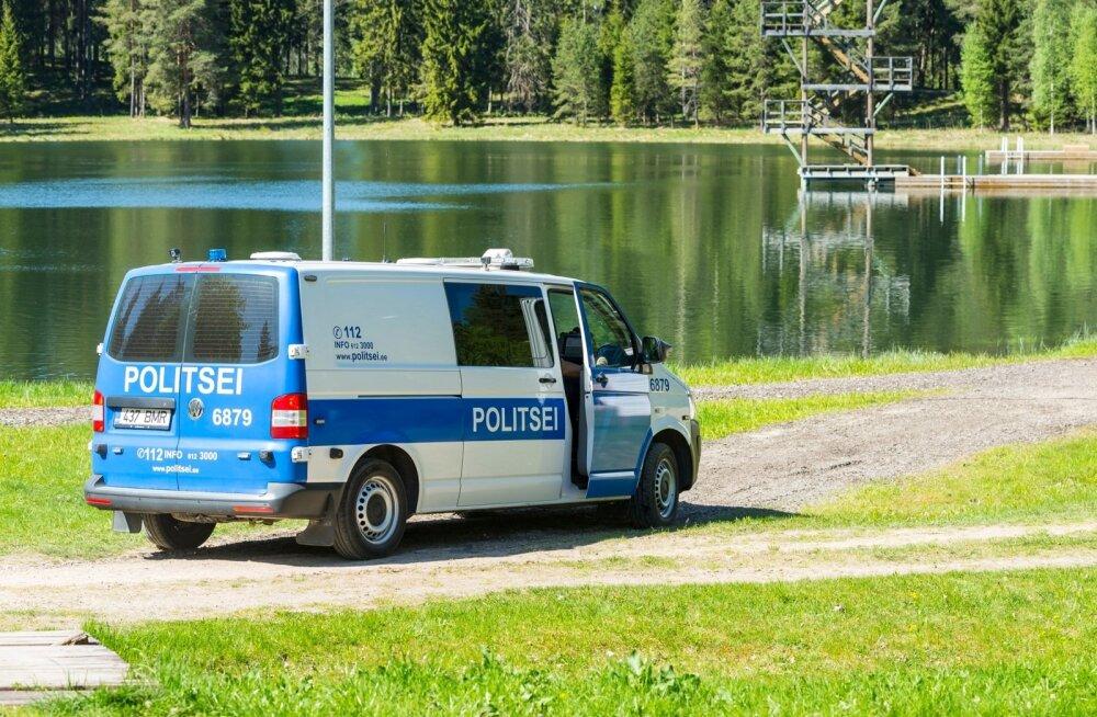 Uppunu otsingud Tõrvas Vanamõisa järve ääres