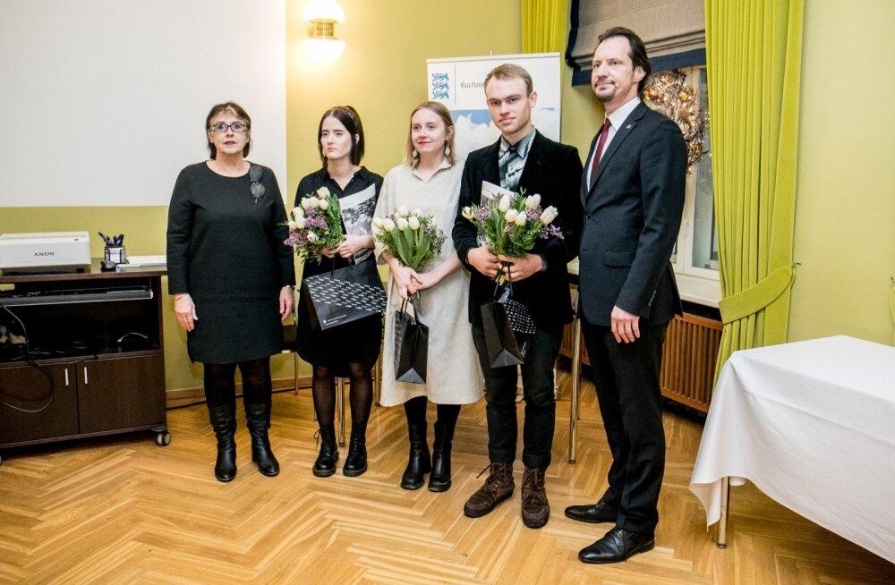 Eduard Wiiralti nimelise stipendiumi üleandmine