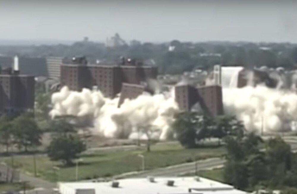 VAATA | Nii tehakse suuri ehitiste lõhkamistöid. Loe, kuidas tagatakse hoone õnnestunud varistamine?