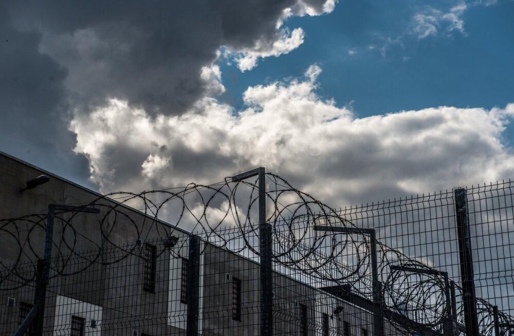 Viru vanglas kannab karistust 19 eluaegset vangi.