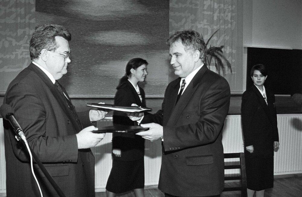 Edgar Savisaare lindiskandaal sai Tiit Vähi teisele valitsusele saatuslikuks.
