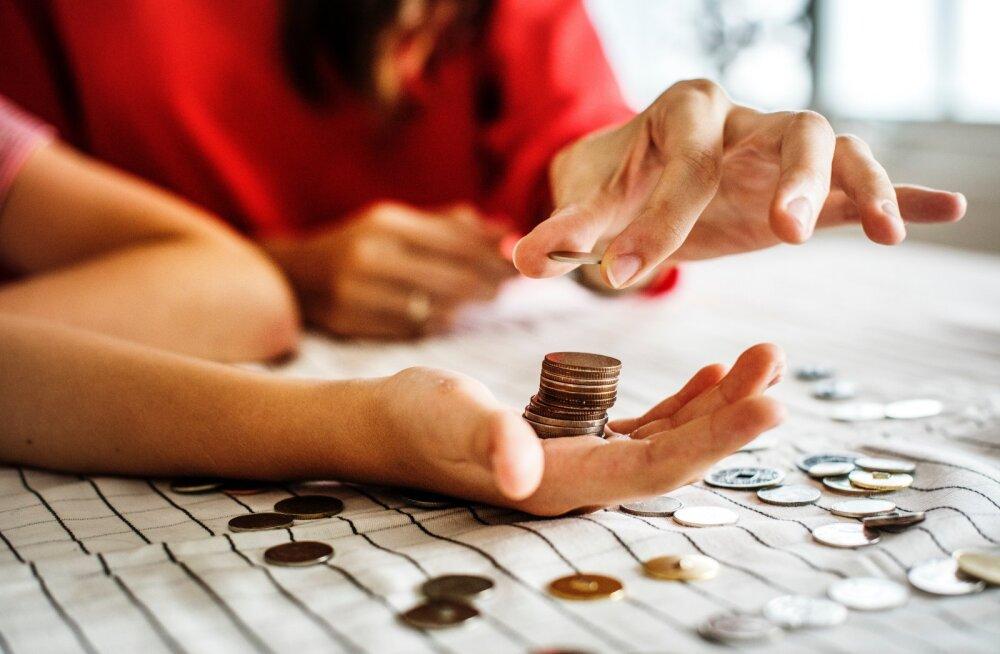 5 ситуаций, когда с друзей нужно брать деньги