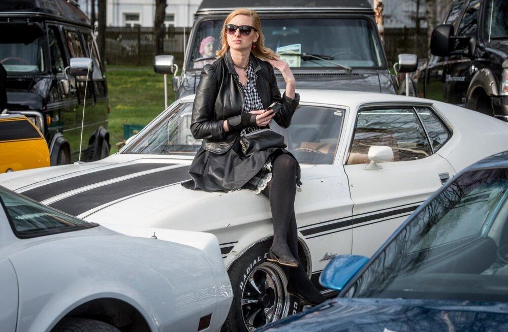 Ameerika autode show Tallinna lauluväljakul
