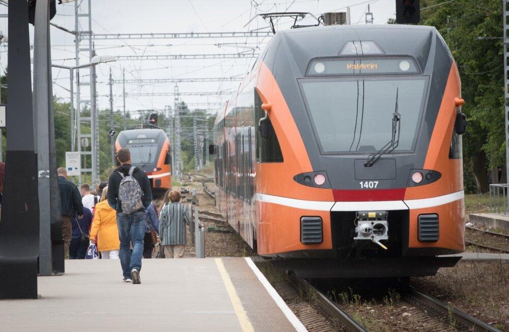 Rong sõidab Keilast Paldiskisse. Vald ei taha sõita.