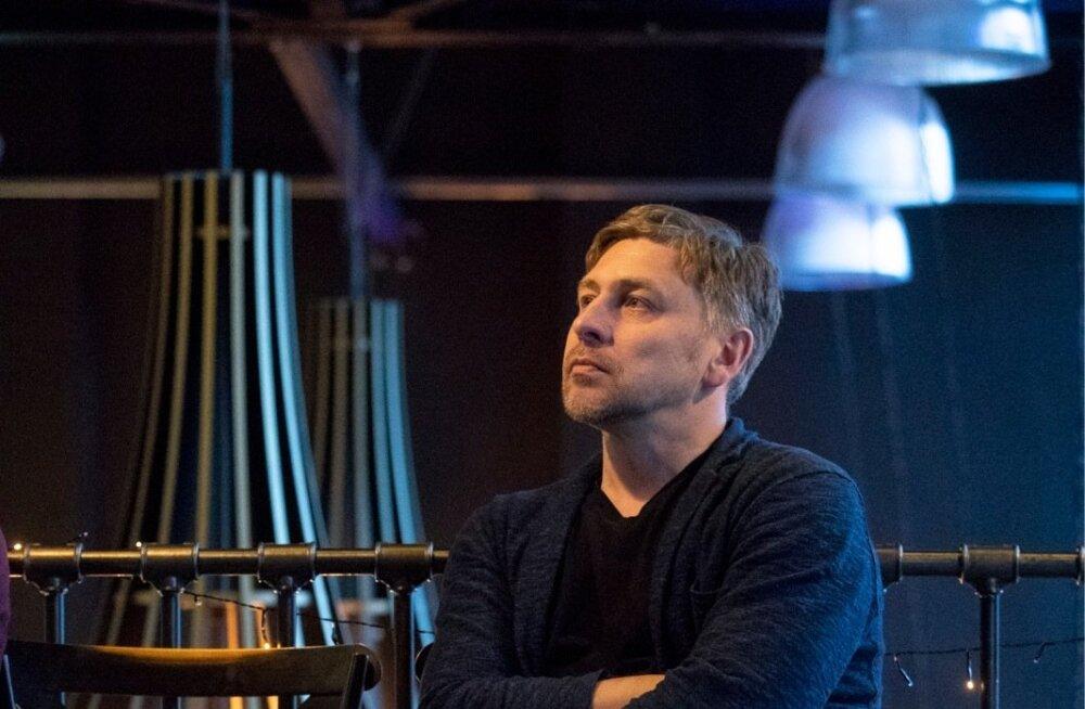 """""""Ma ei tahaks veel lähemalt rääkida, aga minu plaanid sisaldavad sotsioloogilisi uuringuid nii siin kui ka Venemaal,"""" vihjab Marius Ivaškevičius Vaba Lava eesootavale programmile."""