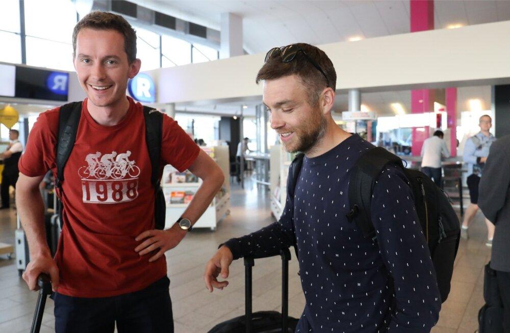 Hayden Paddon koos kaardilugeja Sebastian Marshalliga.olid Eestisse saabudes rõõmsad ja rahulolevad.