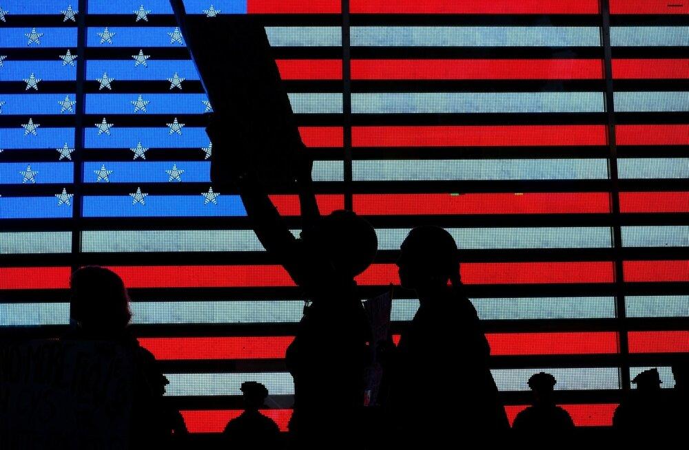 USA ülemkohtu kohtuniku kandidaadi Brett Kavanaugh' vastane meeleavaldus New Yorgis Times Square'i lähedal. Kavanaugh' juhtum on ahistamisega seotud põletavad küsimused uue hooga esile tõstnud.
