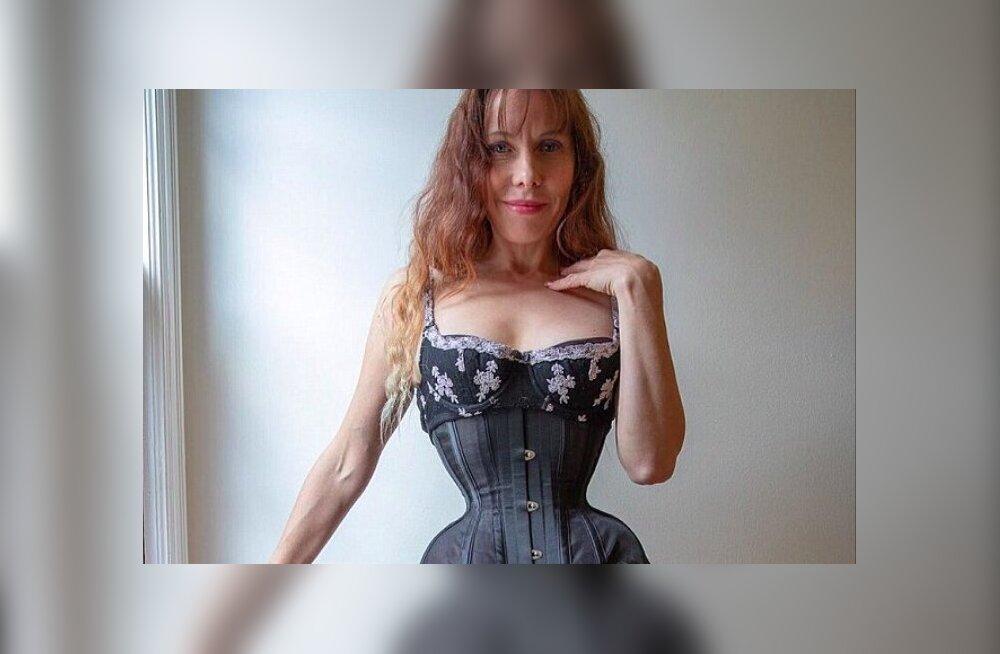 Õõvastav või tänapäevaselt kaunis? Korsetifännist naine kannab korsetti 20 tundi päevas