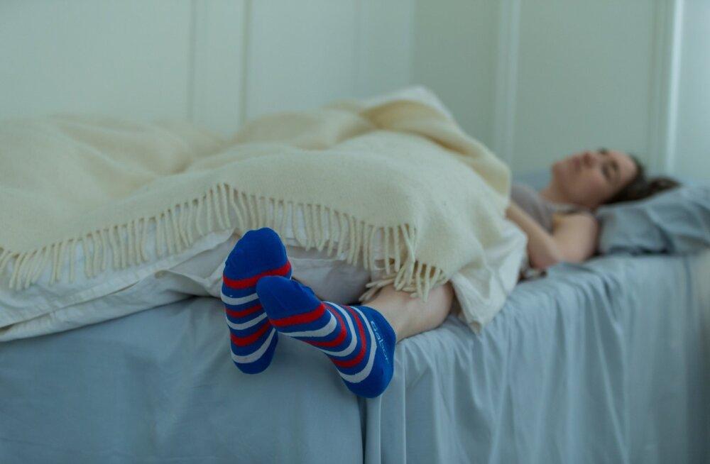 Kas suudetakse leida meetodid, kuidas juhtida oma unenägusid, on iseasi, ent unenägude seos enne magamajäämist mällu salvestatuga paistab olevat tõestatud.