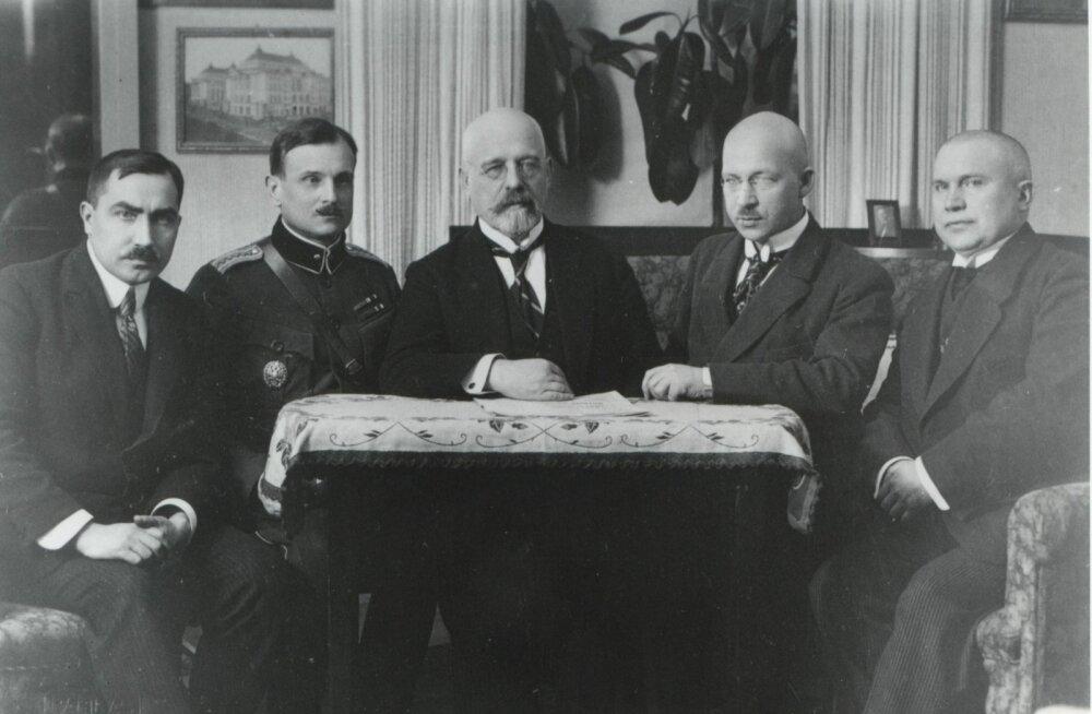 TARTU RAHU DELEGATSIOON: Ants Piip, kindralmajor Jaan Soots, Julius Seljamaa ja dr. Mait Püüman.