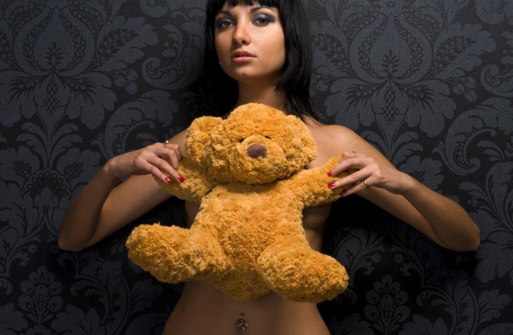 Ученые выяснили, сколько раз в день женщины думают о сексе