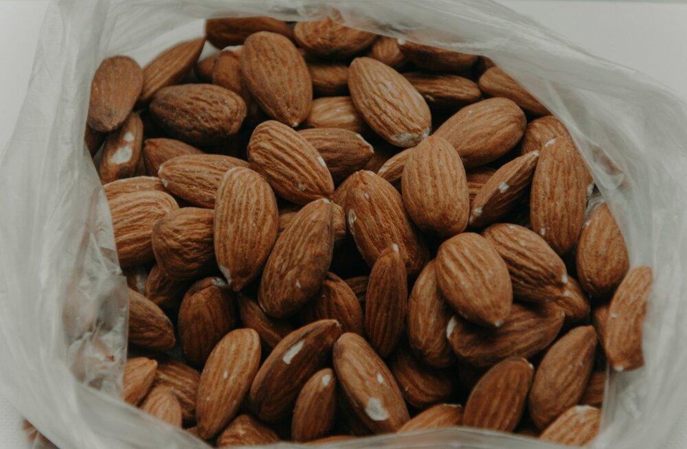 Ettevaatust, mandlites sisalduv sinihape võib surmavaks osutuda! Mitu mandlit tohib üldse päevas süüa?