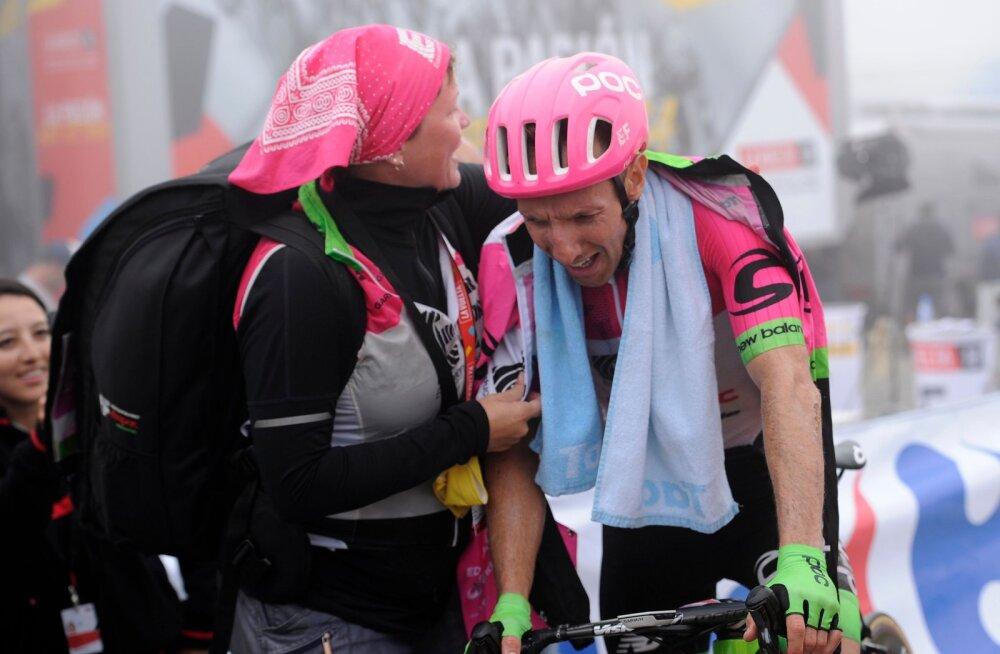 Vuelta etapi võitnud kandalane pühendas triumfi surnult sündinud pojale