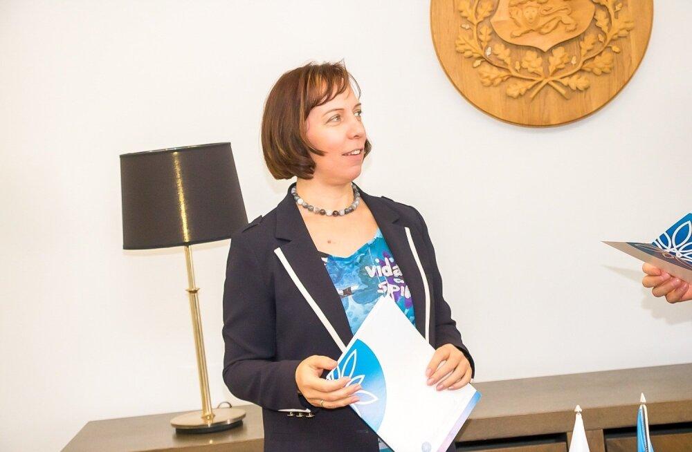 Lasteaias käimise kohustuslikuks muutmine tähendab minister Mailis Repsi sõnul 20 tasuta lasteaiatundi nädalas.