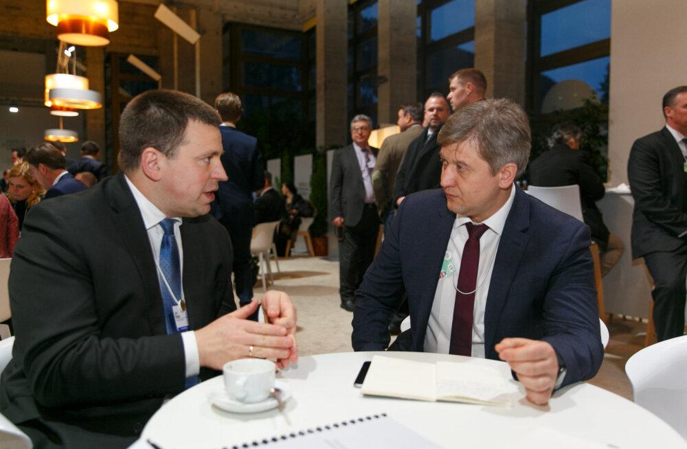 Peaminister Ratas nõudis Davosis Ukraina võimukandjailt, et Eesti maksuparadiiside nimistust kohe eemaldataks