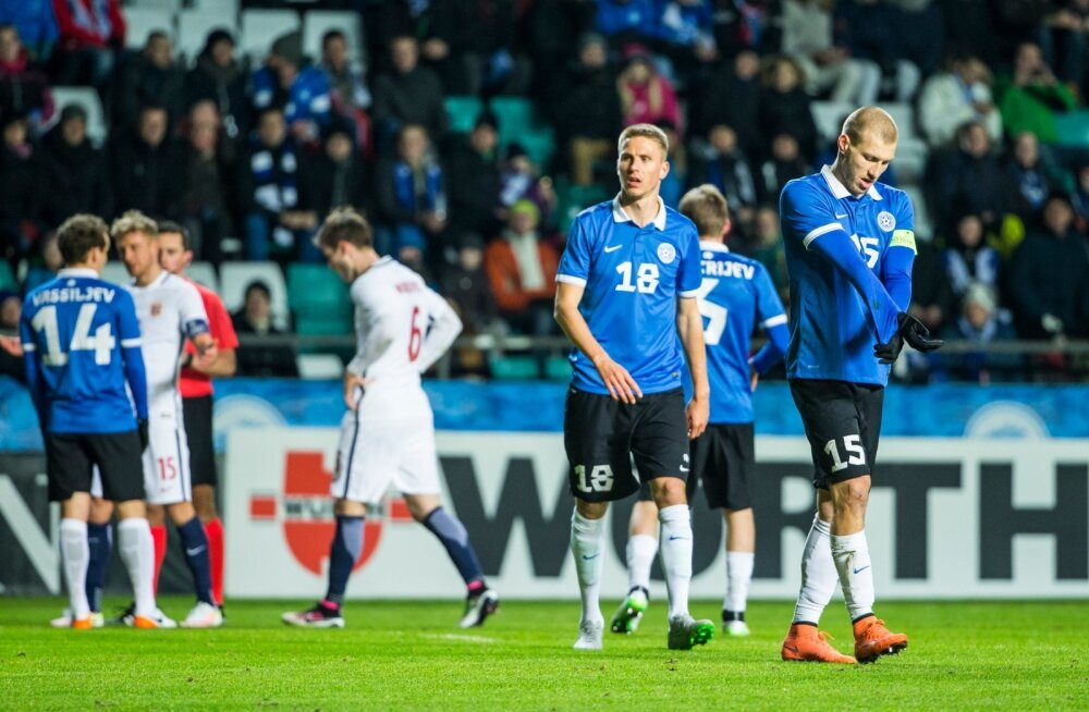Karol Mets (nr 18) ja Ragnar Klavan (15) – Viljandi jalgpalli suursaadikud laias ilmas.