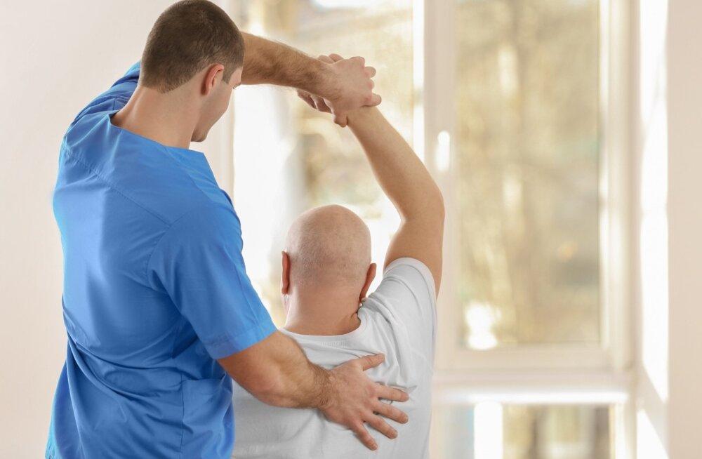 Sageli kasutatakse artriidiravis ka füsioteraapiat.