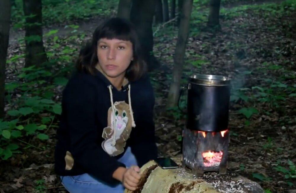 VIDEO: Venemaal mõeldi välja pisike matkapliit, mis laeb mobiili