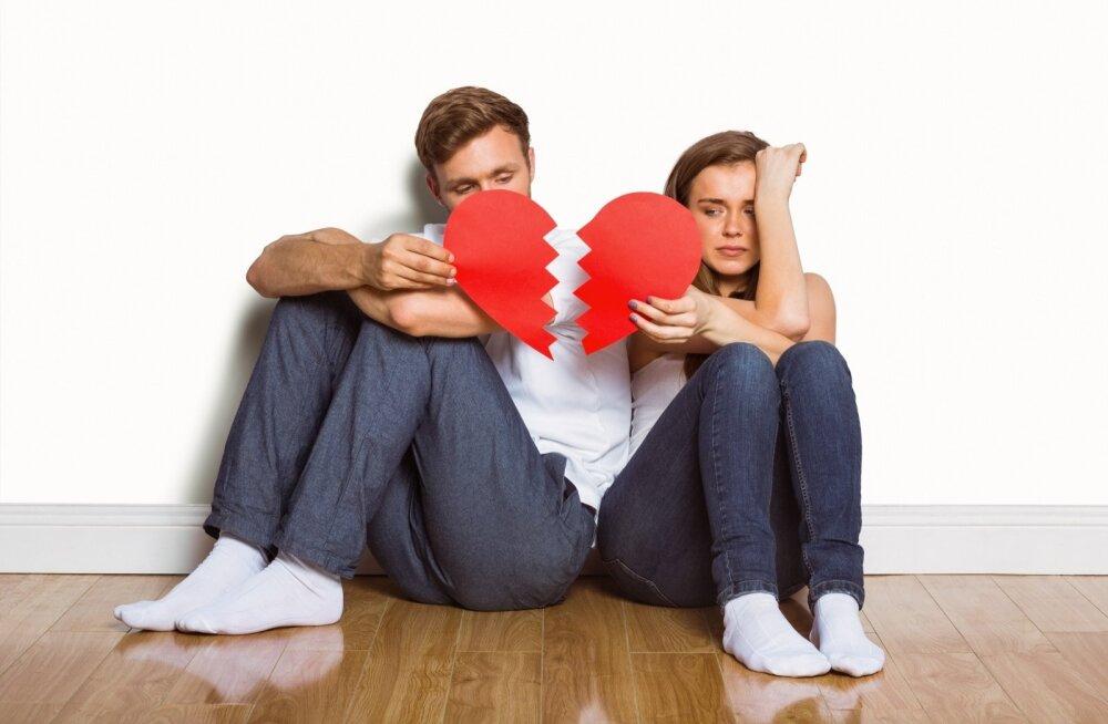 Игры, которые мы ненавидим: о грязных приемах в отношениях