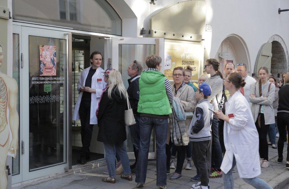 ФОТО: Таллиннцы — народ любознательный! Смотрите, как проходит Ночь музеев