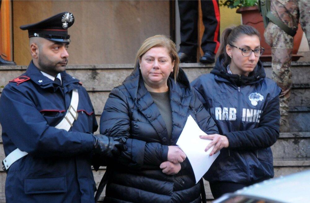 Maria Angela Di Trapani võeti sel teisipäeval Sitsiilias Palermos korraldatud haarangu käigus vahi alla.