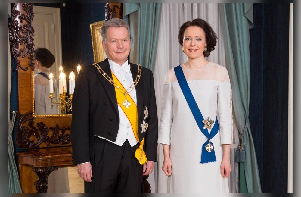 FOTOD | Soome presidendi vastuvõtu kõmuliseim kleit on esileedi kasepuust tehtud rõivas