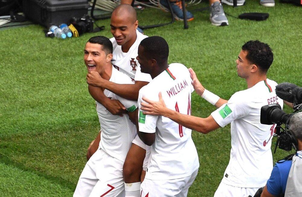 Cristiano Ronaldo (vasakul) juhtimisel on Portugal alustanud MM-i suurepäraselt. Nendelt võib veel kõike oodata.