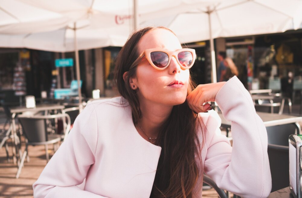 Mis talv? Neid retrostiilis päikeseprille kannavad trenditeadlikud naised juba praegu