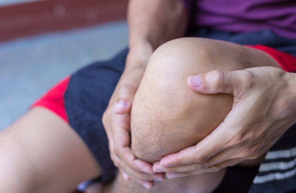 Osteoartroos ei ole ainult eakate haigus, see võib avalduda ka noorematel inimestel, nii meestel kui naistel.