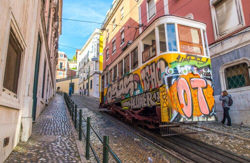 Värvirõõmus kevadine Portugal. Portugal on mõne aastaga majandusraskustest välja rabelenud ja riigi majandus rühib tänu investeeringutele ülesmäge.