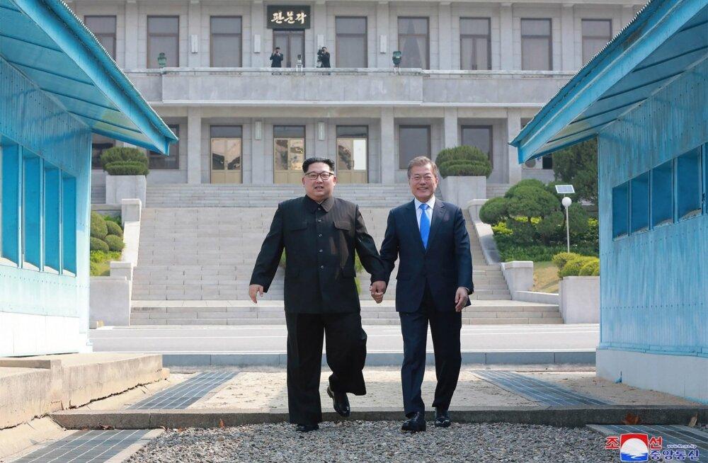 Põhja-Korea meedia ei hoidnud Kimi ja Mooni kohtumist kiites sõnu kokku, kuid tuumarelvast vabanemist sealses kajastuses ei mainitud.