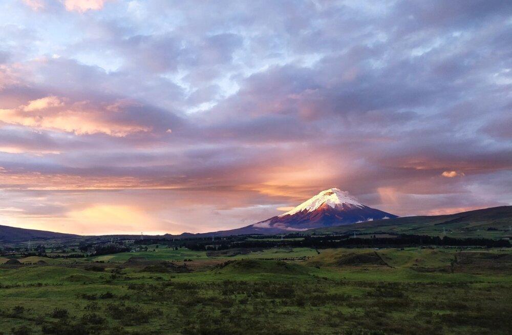 Cotopaxi vulkaan on 1738. aastast alates pursanud 50 korda, viimati juhtus see 2015. aasta augustis. Tuhapilv kerkis siis 8 km kõrgusele ning Ecuadoris kehtestati eriolukord.