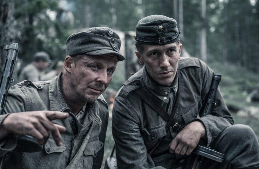 """""""Tundmatu sõdur"""" teeb õigesti enam-vähem kõike, millega eestlaste """"1944"""" hakkama ei saanud. Fotol vasakult: Rokka (Eero Aho) ja Koskela (Jussi Vatanen)"""