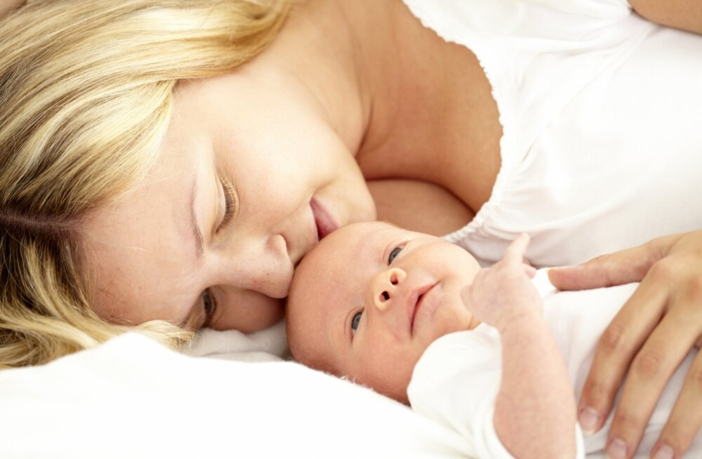 Ausalt ja valehäbita: millega on värskel emal kõige raskem harjuda ja toime tulla?