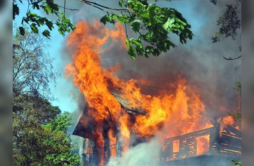 Endises Szolnoki keskuses Mustamäel oli tulekahju