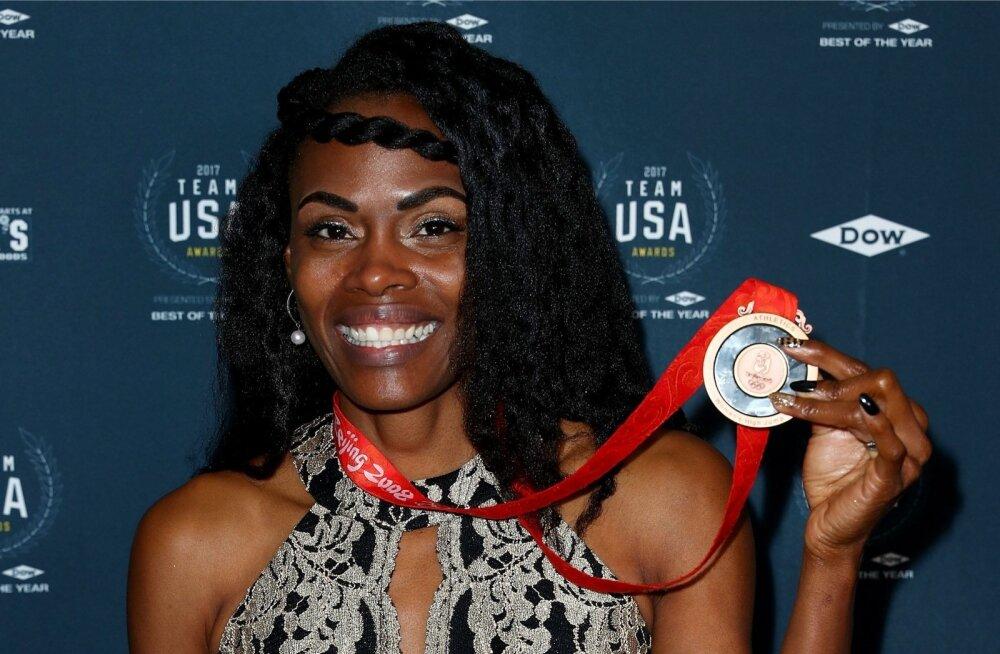 Chaunte Lowe sai kätte Pekingi olümpiamedali