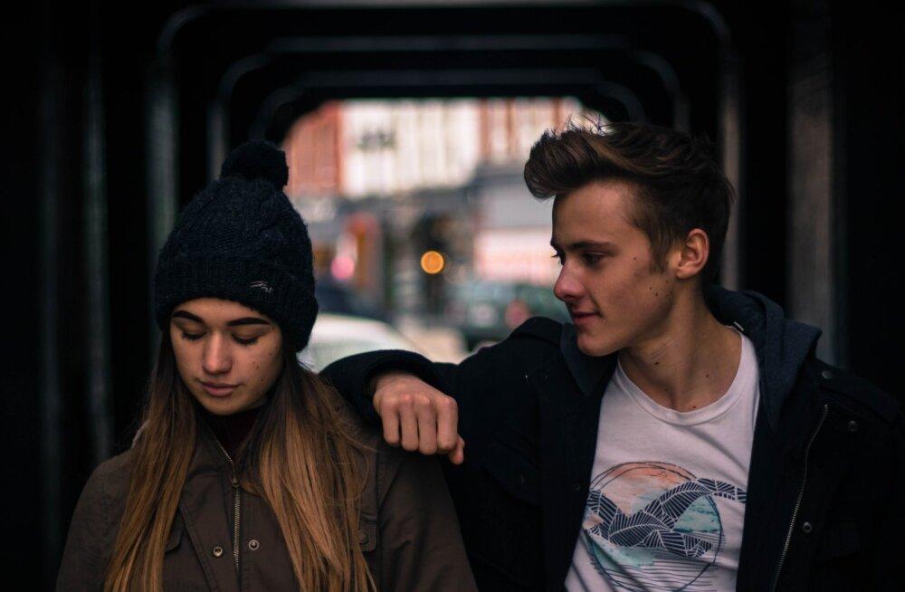 Как уберечь подростка от плохой компании?