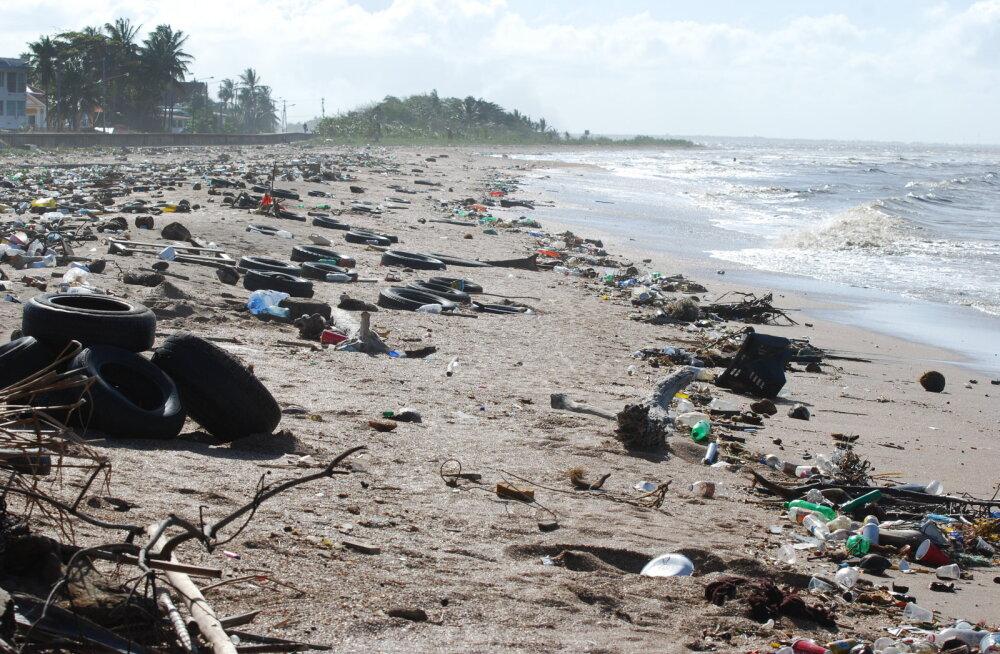 Euroopa Komisjon: tänase pakendipoliitika jätkudes ei paista ookeanikalad varsti enam plastmassi vahelt välja