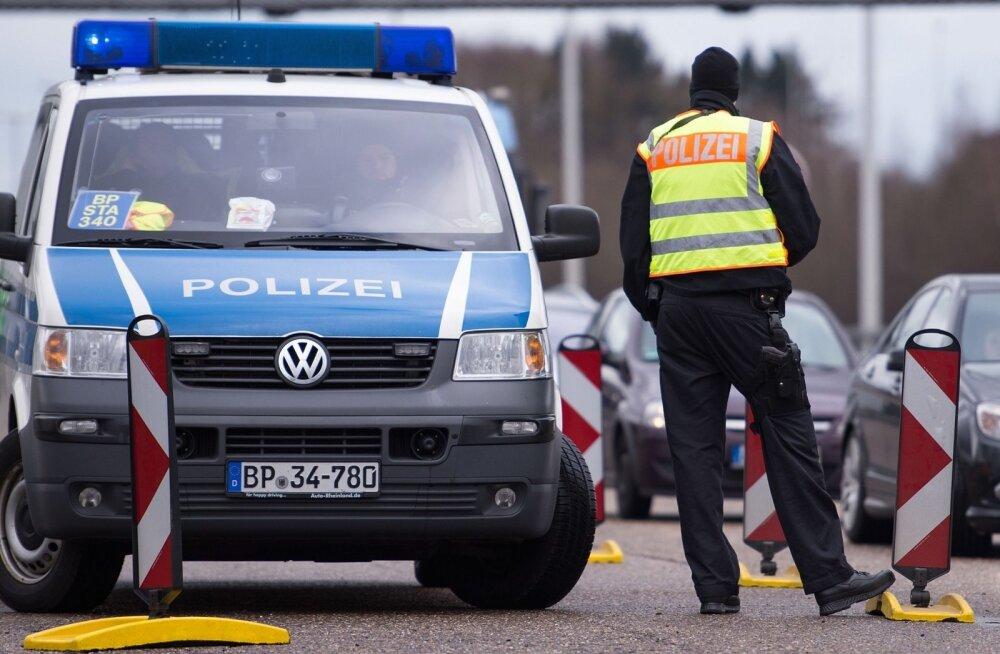 Saksamaal riivas purjus Eesti veokijuht parklas sõiduautot