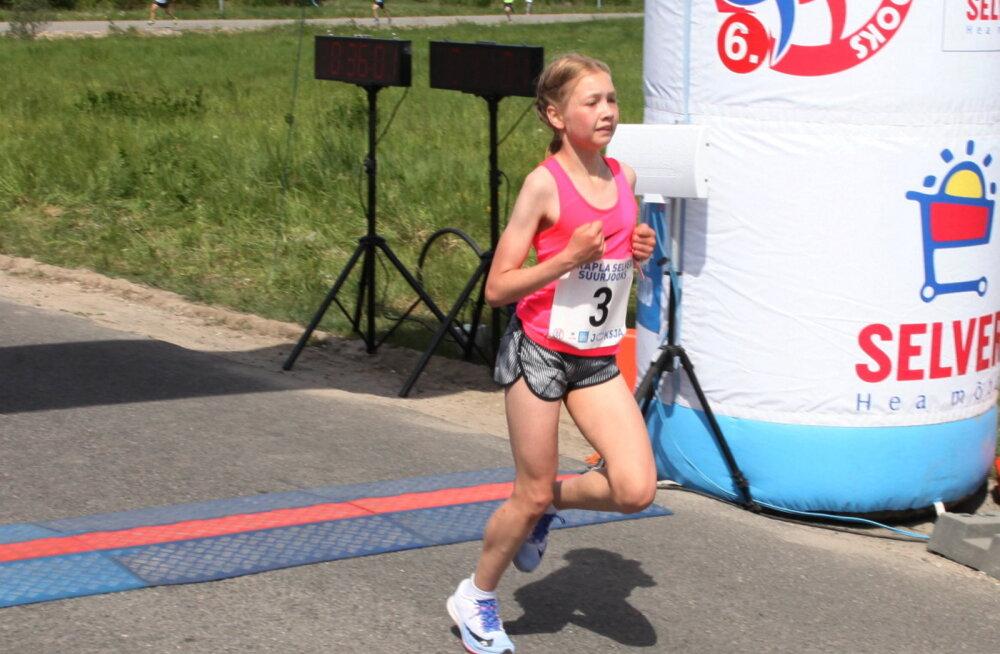 13-aastane Lagoda võitis Rapla Selveri Suurjooksul naiste arvestuse, ultratriatleet Ratasepp meestest teine
