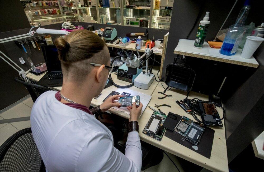 Mobiiliabi tehnikute sõnul nad oma nina klientide isiklikesse asjadesse ei topi. Inimlikku hooletust on aga raskem ennetada.