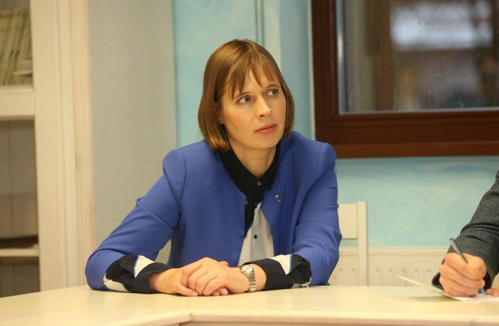 Президент Кальюлайд в интервью Жанне Немцовой: санкции в отношении России должны оставаться в силе