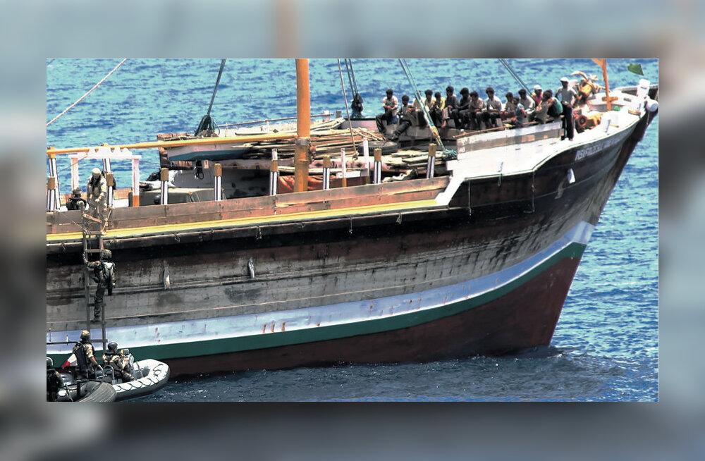 Eestlased tegid India ookeanis kahjutuks somaali piraatide laeva