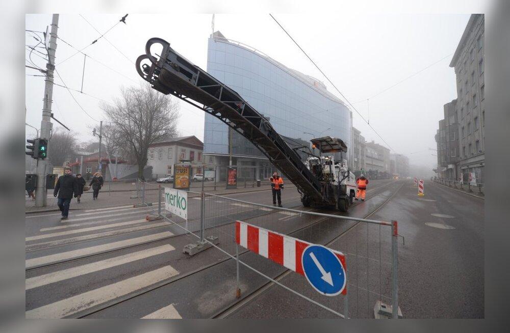 Teeremont on juba Pärnu maantee äride tegevust mõjutanud