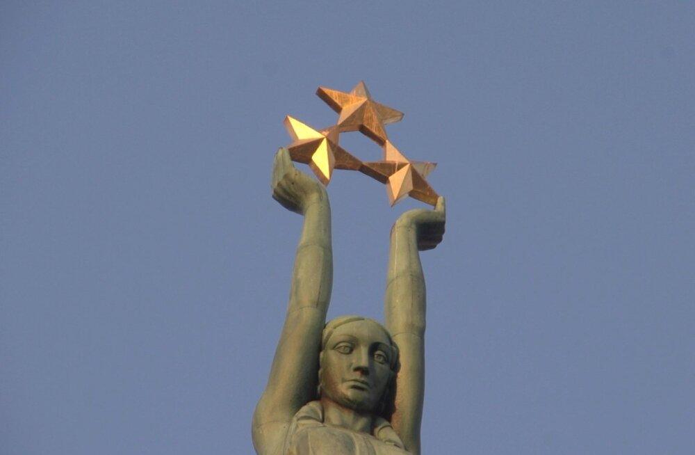 Läti Vabariigi 17. sünnipäeval avatud Vabadussammas oli Baltimaades ainus riiklikule iseseisvusele pühendatud monument, mis jäi püsima ajalootormidest hoolimata.